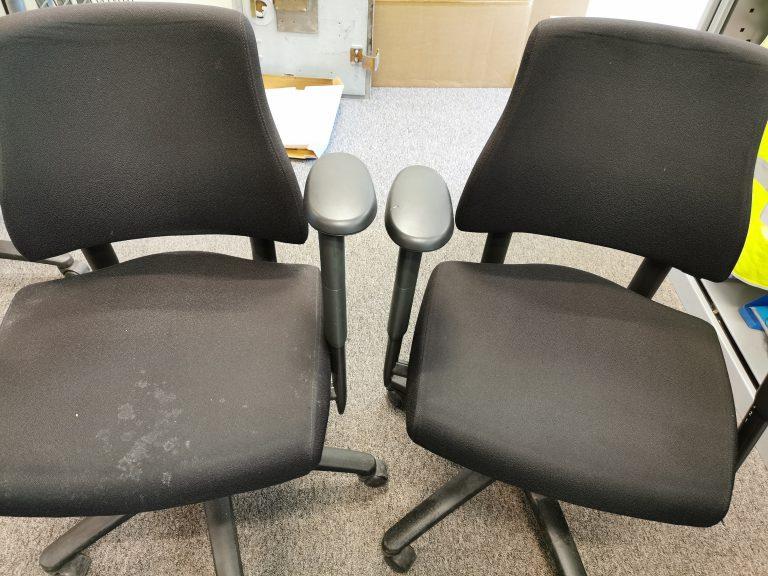 uw bureaustoel word niet alleen schoon, ook de kleur komt weer terug
